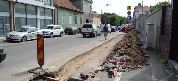 Şantiere peste şantiere. RDS îngroapă cablurile inestetice din oraş!