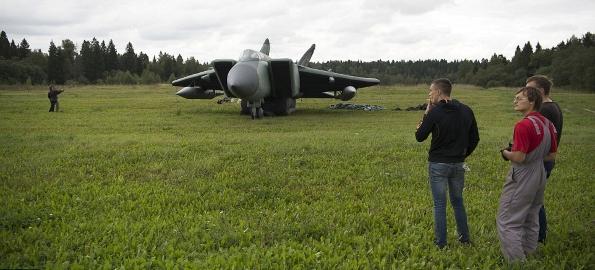 (FOTO) Armata gonflabilă a Rusiei. Tancuri care apar şi dispar în cinci minute!