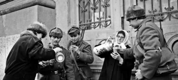 Aveți imagini de la Revoluție, din Oradea? Duceți-le la Muzeul Cetății!