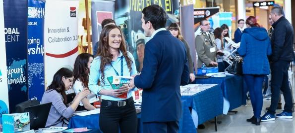 Sunteți în căutarea unui loc de muncă? Încercați Târgul de Cariere.