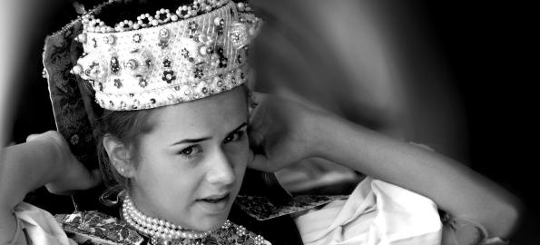 Lumea văzută prin ochii femeilor, într-o nouă expoziție în Cetatea Oradea!
