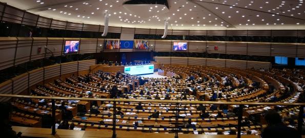 Deciziile de la Bruxelles ne schimbă tuturor viața. Mergeți la vot!
